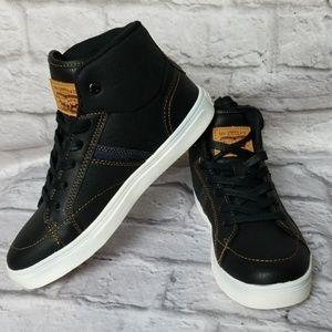 Levi's Sneaker Shoes Sz5.5 Junior NWOB